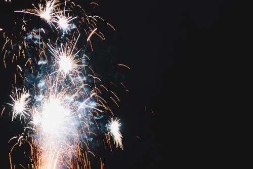 bright-fireworks_4460x4460.jpg