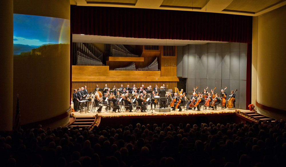 Walla Walla Symphony performs Splendid Horizons by Mark O'Connor with projected images by Hans Matschukat.