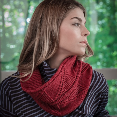 Cornwall   buy    buy kit   Cornwall is a neck warmer knit in Valley Yarns Northfield with an oversized Flying Geese pattern. This cowl is knit flat, then at the end the live stitches are grafted to the cast on edge or bound off and sewn.