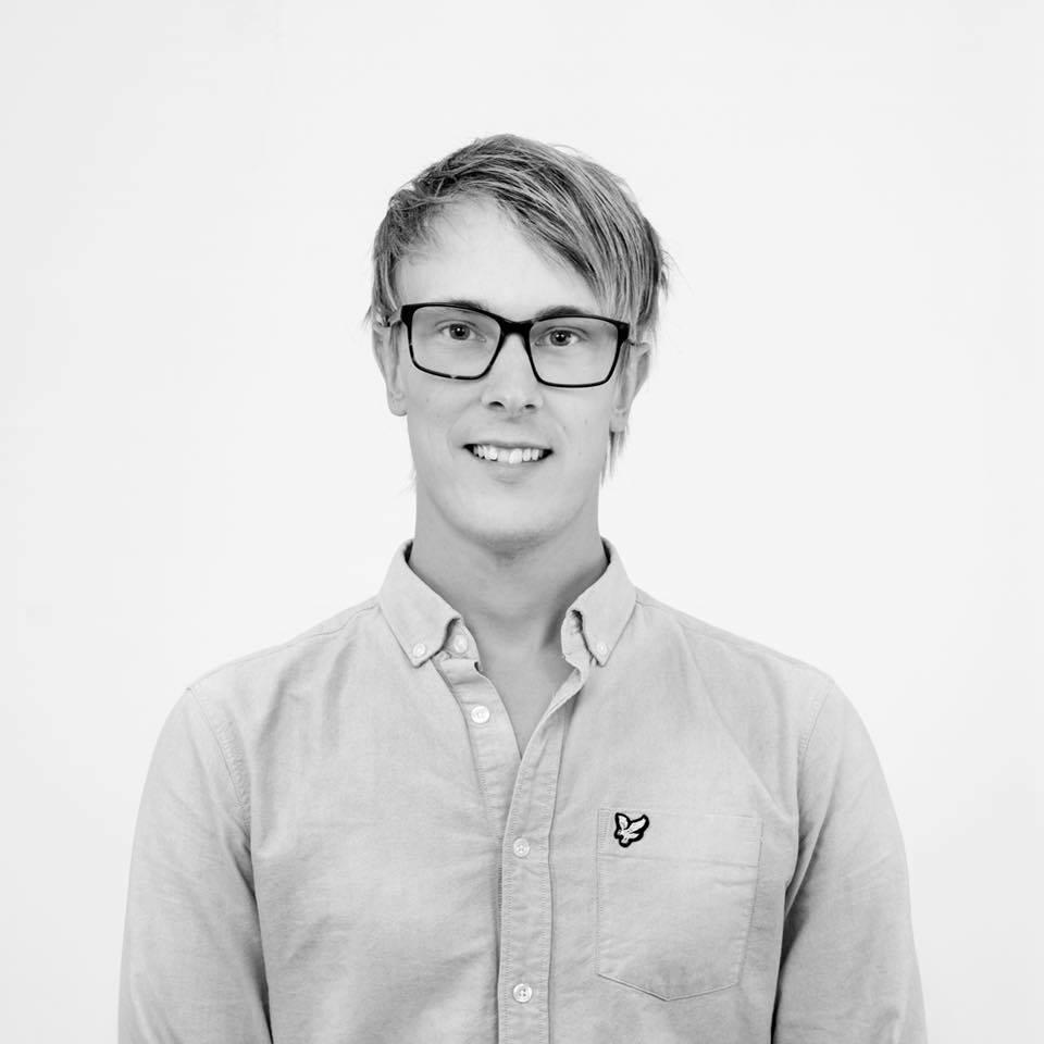 Johan Riska  Digital Marketing Manager  0771 - 480480 johan @stadarna.se   Städarna Sverige AB Kristinagatan 21 60226 Norrköping  Arbetat på Städarna sedan: 2018
