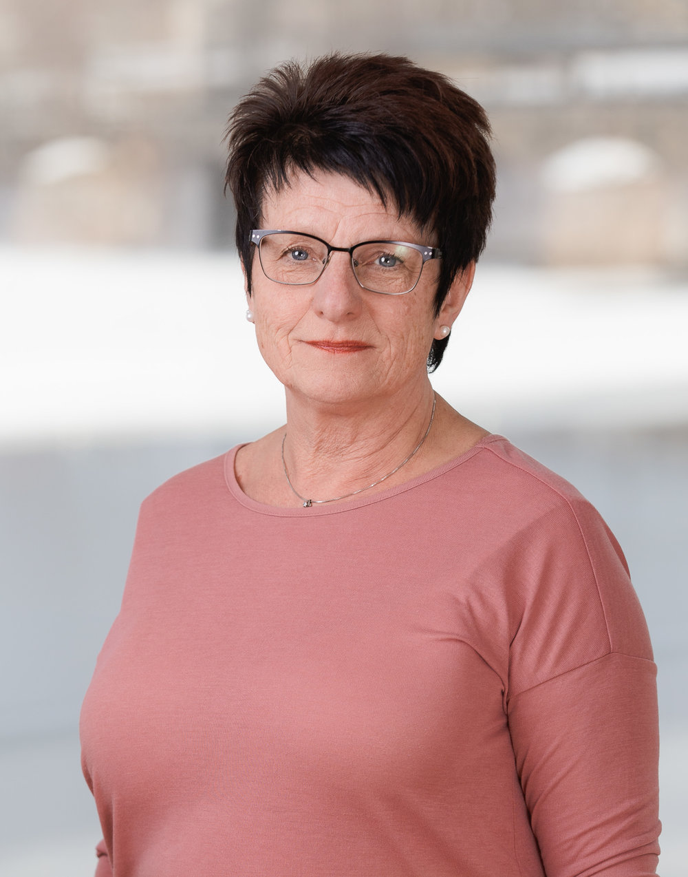 Irene Öberg Karlsson  Arbetscoach och Kundansvarig  0550-221 460  kristinehamn@stadarna.se   Hemänglarna AB / Städarna i Karlstad Dagvindsgatan 1 652 21 Karlstad  Arbetat på Städarna sedan 2009 (Fd. Hemänglarna)