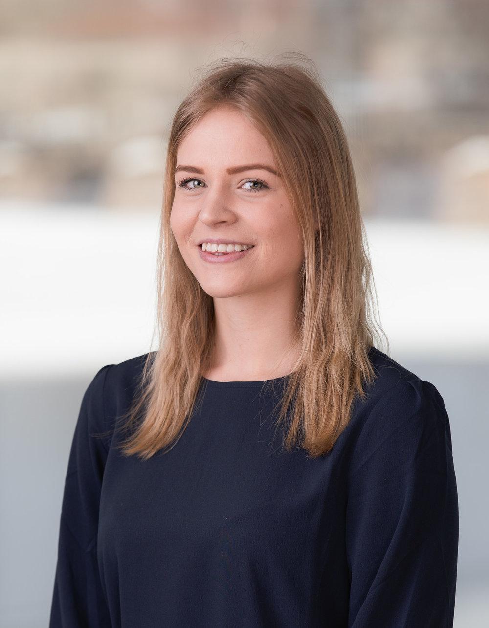 Nathalie Larsson Arbetscoach (Ekonomi och administratör)  054-777 27 70  karlstad@stadarna.se   Hemänglarna AB / Städarna i Karlstad Dagvindsgatan 1 652 21 Karlstad  Arbetat på Städarna sedan 2016 (Fd. Hemänglarna)