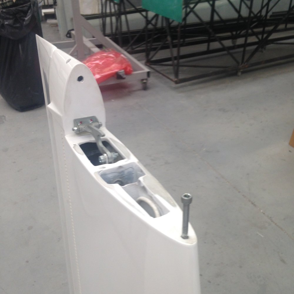 Top of Vertical fin with Horizontal Stab mount Details