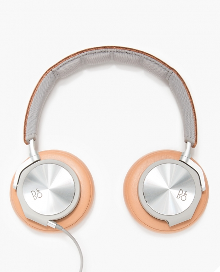 From B&O Play the H6 in Natural over ear headphones in light weight aluminum and leather. These beauties are super comfortable with an inline microphone and remote.