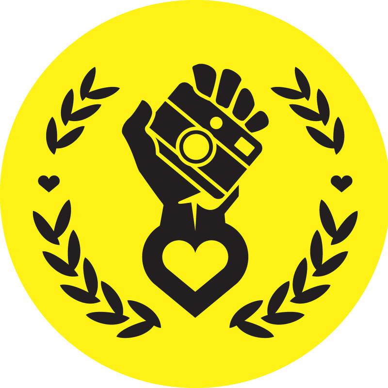 Hipstamatic_Logo_-_Hand_3c7429cbad.jpg