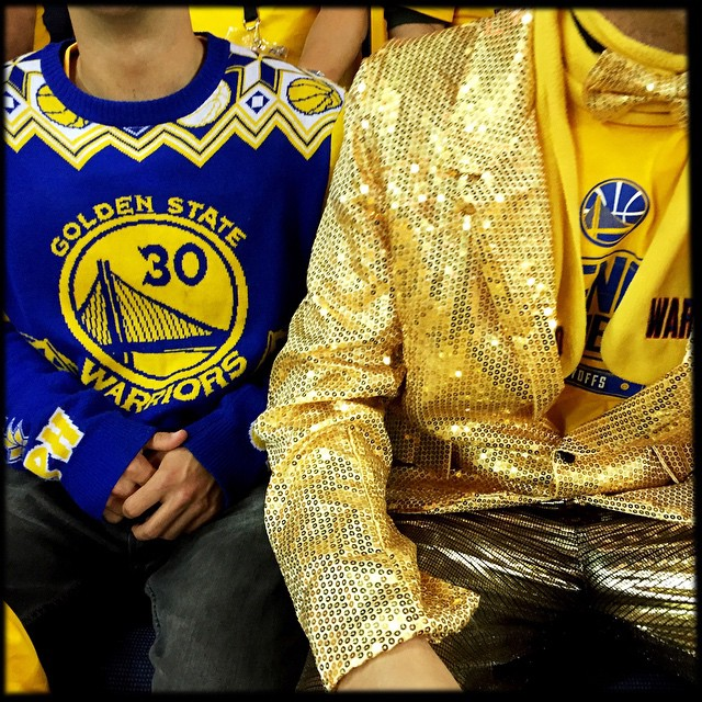When everyone in a nearly 20,000 seat arena are all wearing the same yellow t-shirt, it is a thrill to find some uniqueness. This pair owned unique! Photo by @scottstrazzante #icausebeautiful #Oakland #GoldenStateWarriors #NBAFinals #fashion