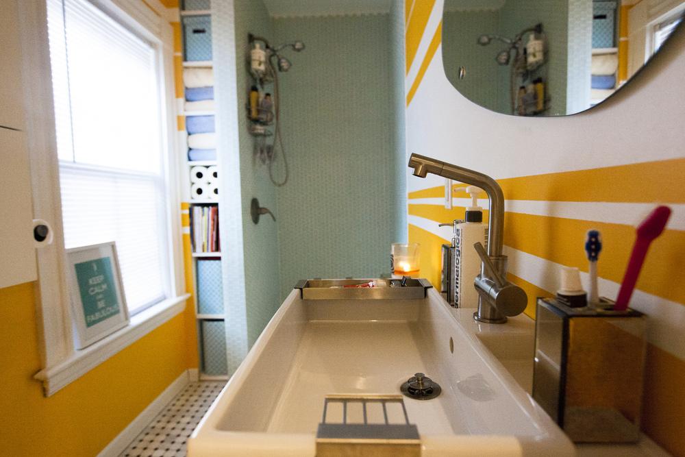22-Strathallan-Pk-Apt4-bathroom.jpg