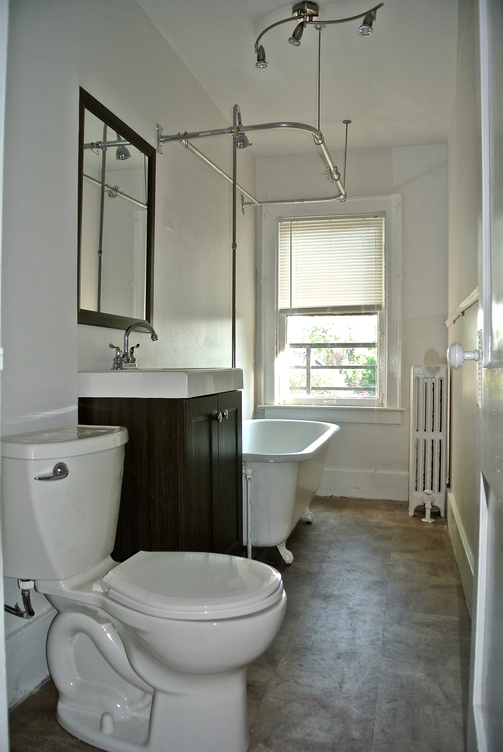 37 Thayer St - #3 - Bathroom.jpg