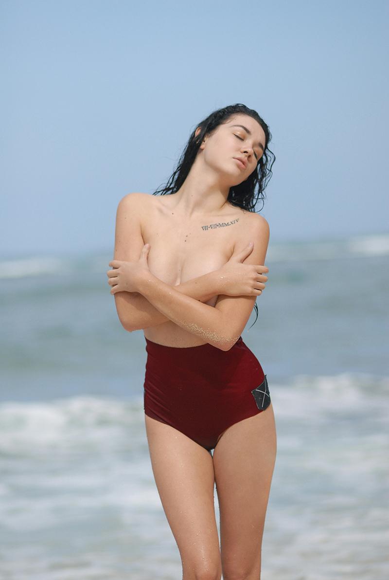 Swimbook_swimsuit_KJKINIS_High_waisted_Sydney_Rochelle_Bodner_DSC_0782.jpg