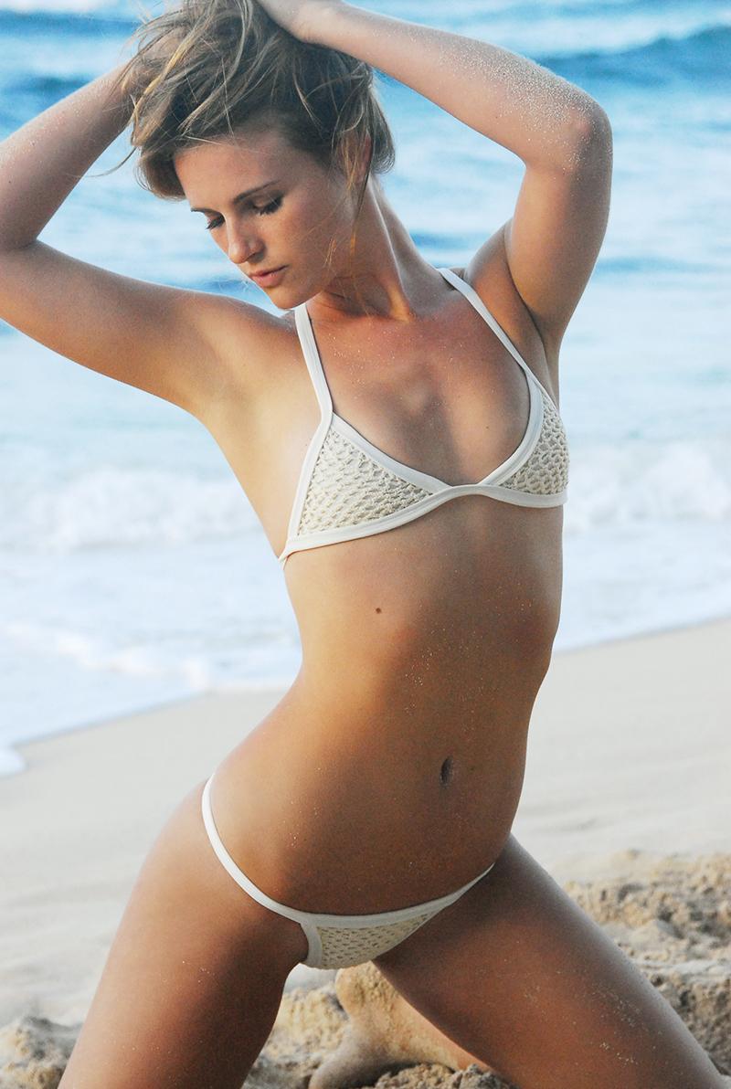 Swimbook_swimsuit_Posh_Pua_Kainalu_Crochet_White_Sand_Hayley_Barcia_DSC_0427.jpg