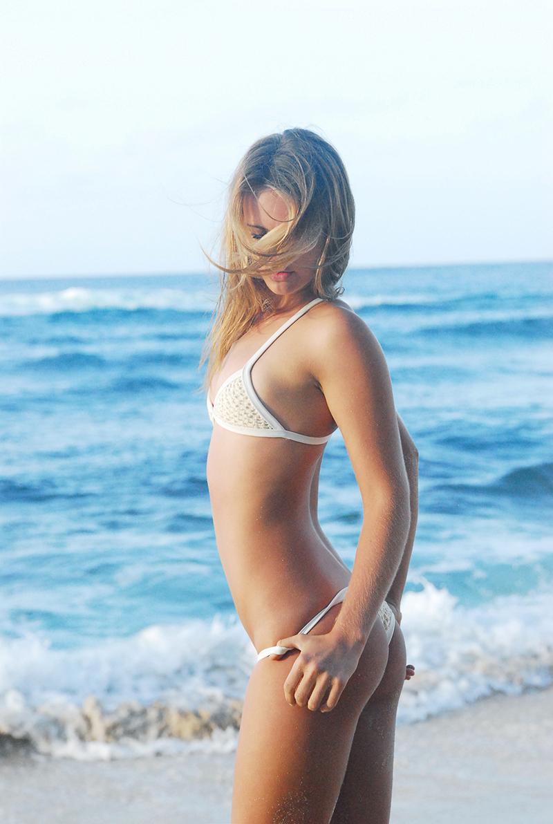 Swimbook_swimsuit_Posh_Pua_Kainalu_Crochet_White_Sand_Hayley_Barcia_DSC_0670.jpg