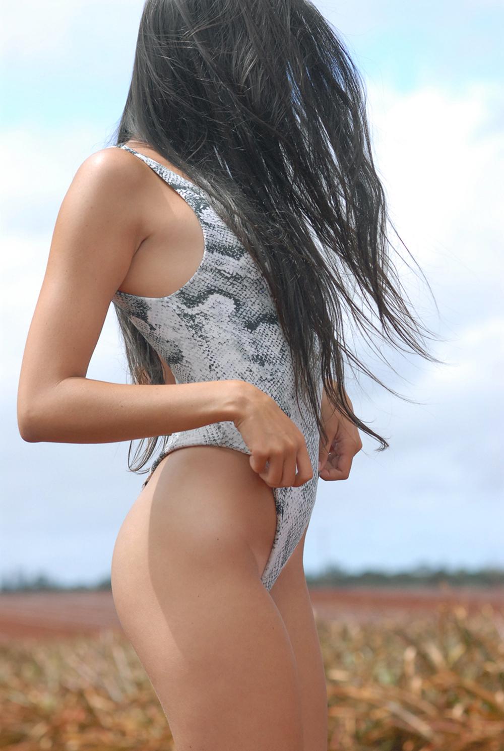 Swimbook_swimsuit_Indah_Kaitlyn_Hitsman_DSC_0139.jpg