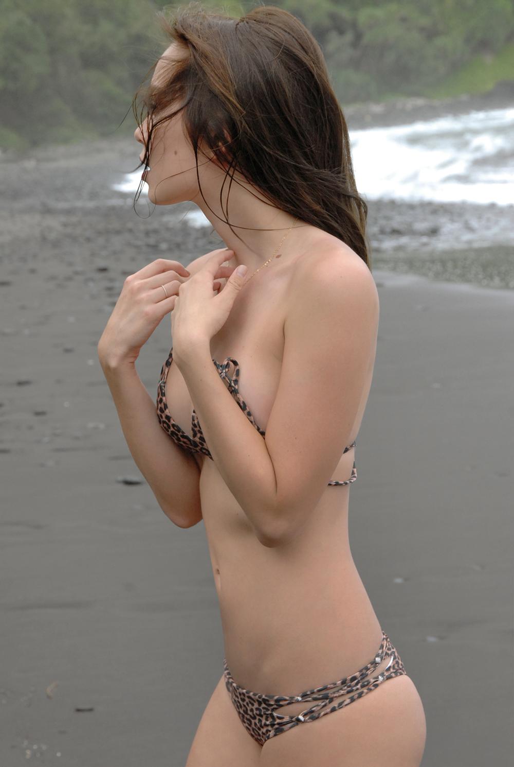 Swimbook_swimsuit_Acacia_Marlie_Hinshaw_DSC_0105.JPG