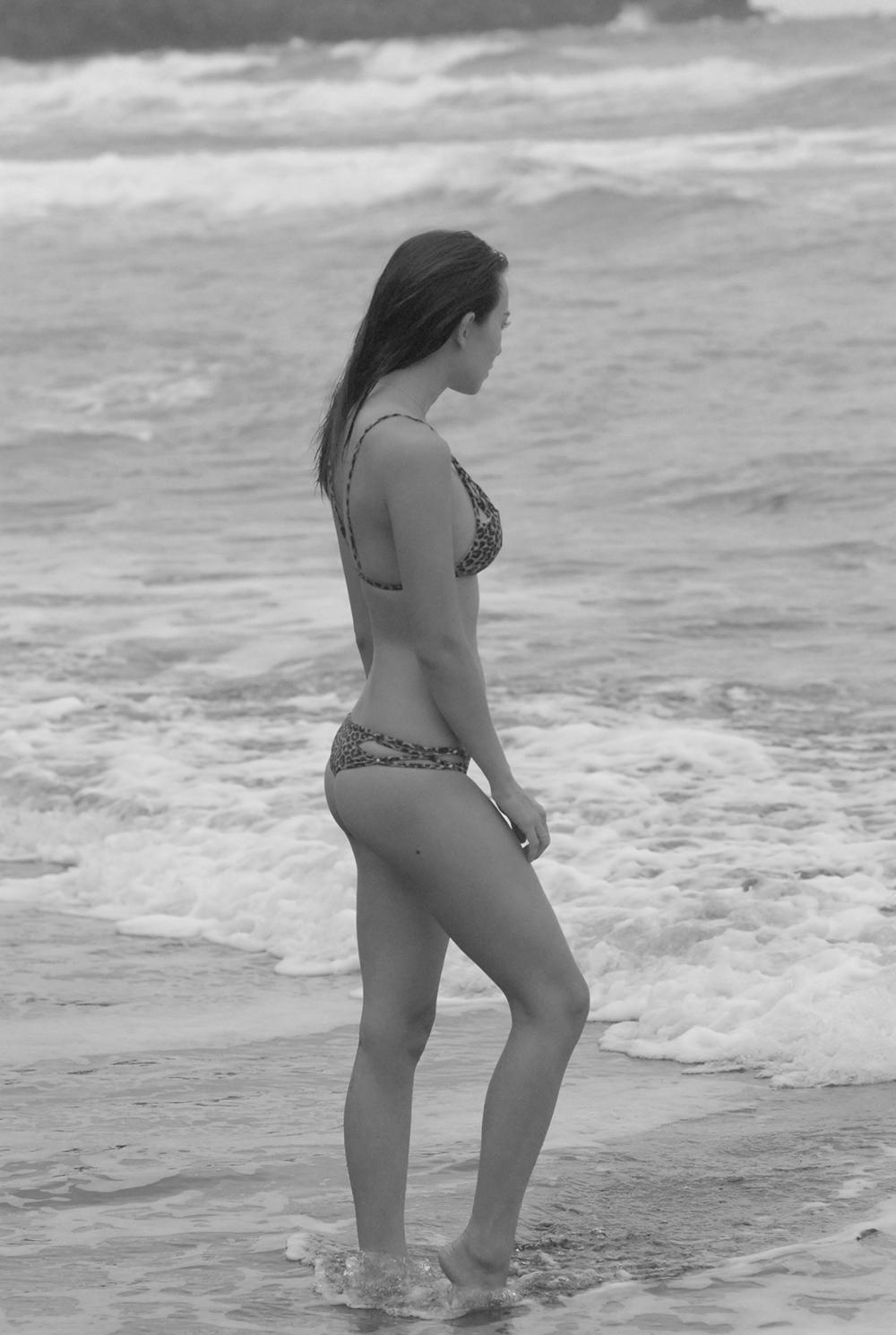 Swimbook_swimsuit_Acacia_Marlie_Hinshaw_DSC_0228BW.JPG
