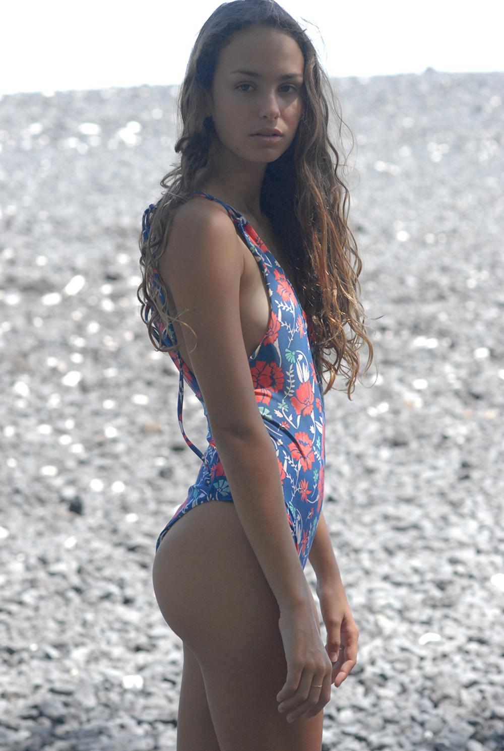 Swimbook_Tori_Praver_swimwear_Helena_Brewbaker_DSC_0874.jpg