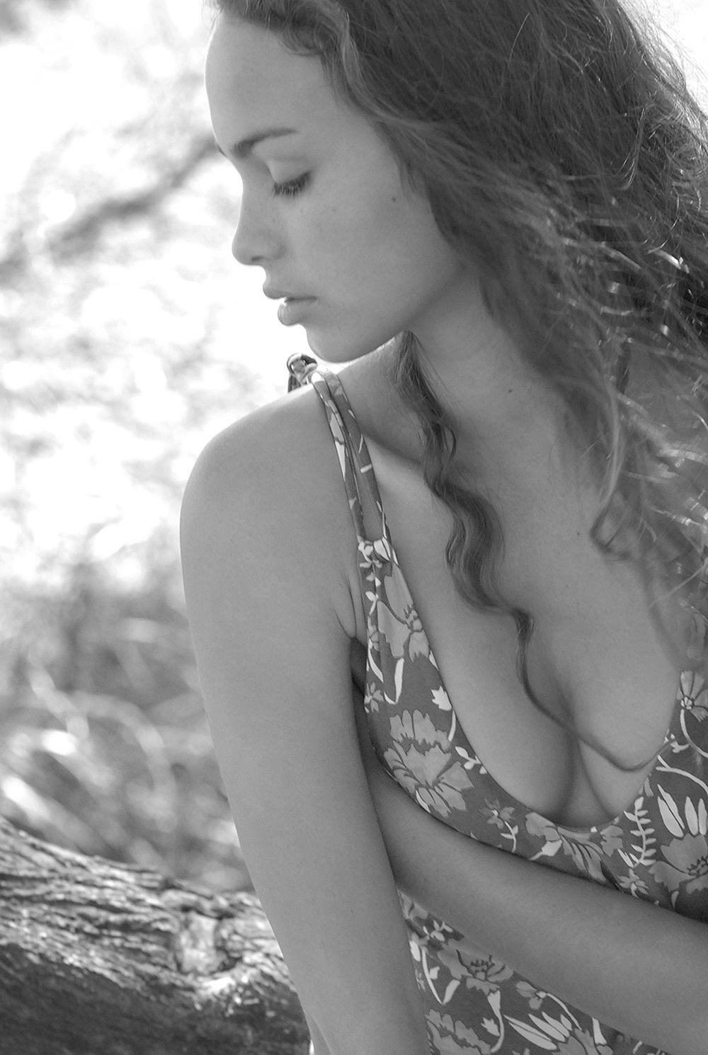 Swimbook_Tori_Praver_swimsuit_Helena_Brewbaker_DSC_0271.jpg
