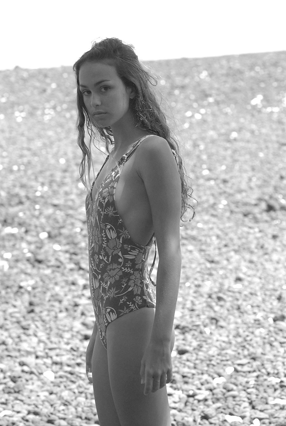Swimbook_Tori_Praver_swimsuit_Helena_Brewbaker_DSC_0086.jpg