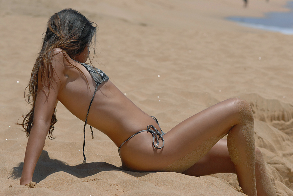 Kaitlyn Hitsman at Sandy Beach, Oʻahu