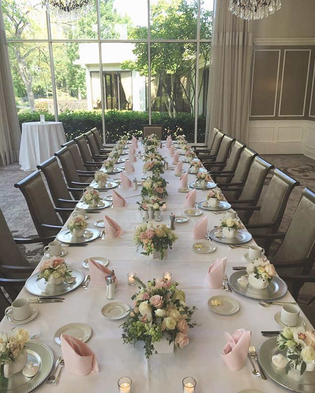 Headed into the weekend getting ready for two weddings and reminiscing about this lovely little bridal shower! Follow on insta stories to see the whole process! #houstonweddings #hosutonevents #houstonflorist #houstonflowers #bridalshower