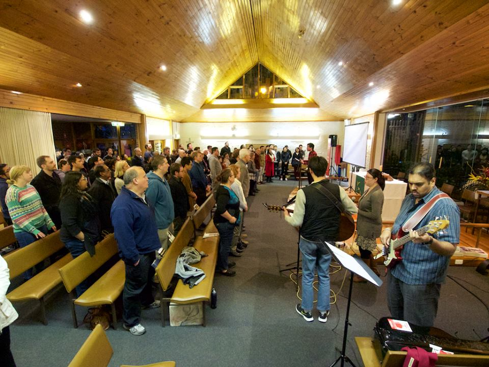 RegenChurch Launch congregation singing2.jpg