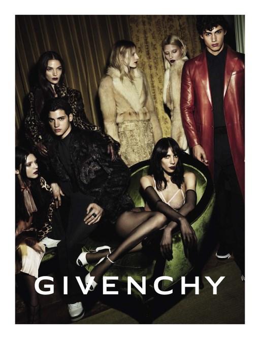 Givenchy Model:Kendall Jenner, Jamie Bouchert, Maria Carla Boscono Marcus, and Julia Nobis Photographer:Mert Alas and Marcus Piggott Source: Givenchy
