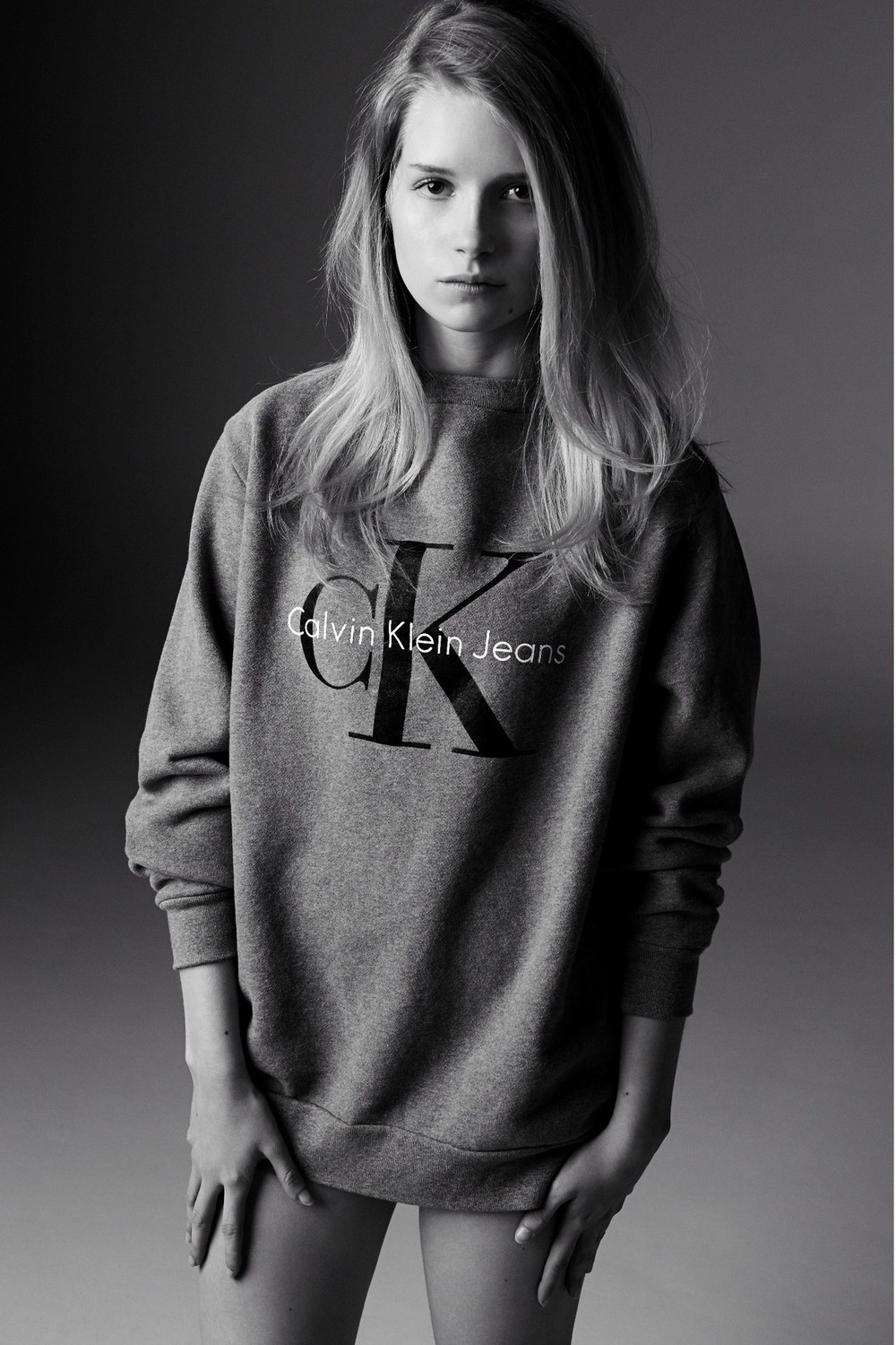 p.s. this sweatshirt is definitely on my wish list after seeing Lottie rock this.