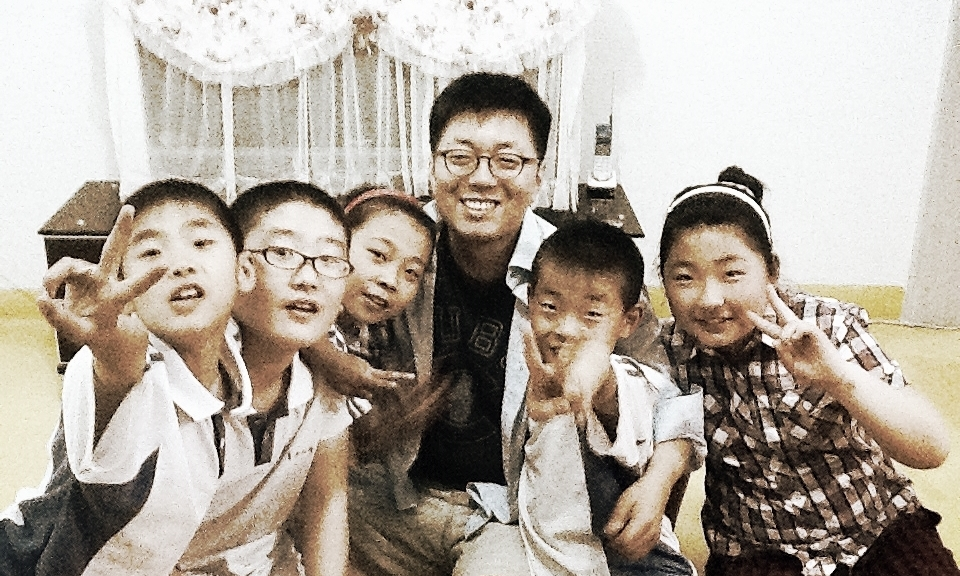 ABC founder Steve Hwang with orphans in Qiqihar back in 2006.