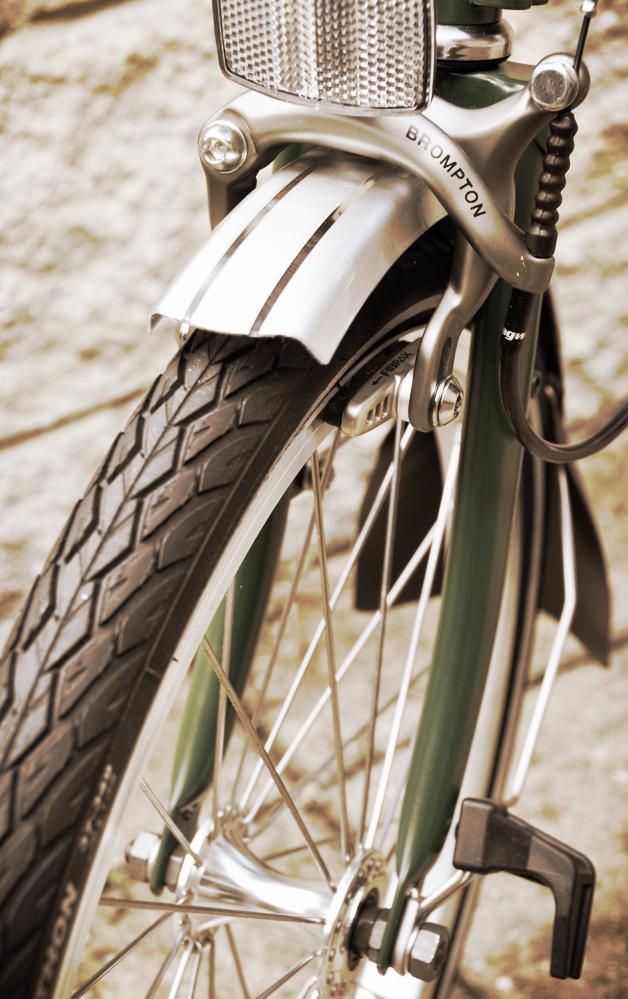 brompton bike front wheel