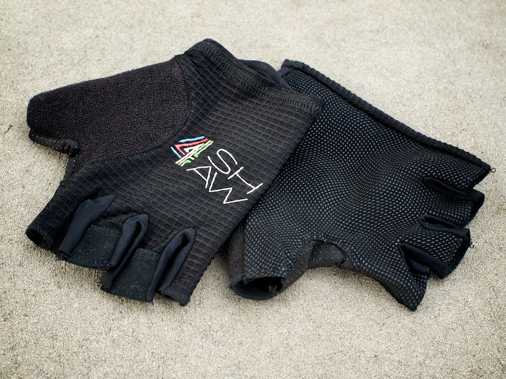 4shaw make a good range of gloves, socks and base layers