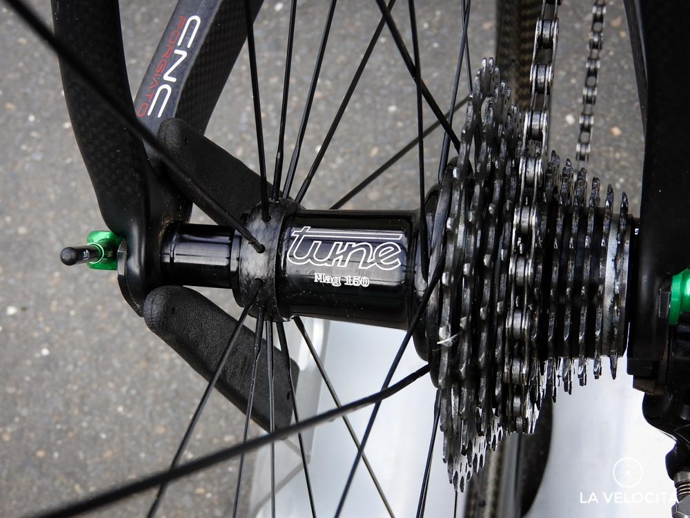 A close look at the Tune Mag 150 hub
