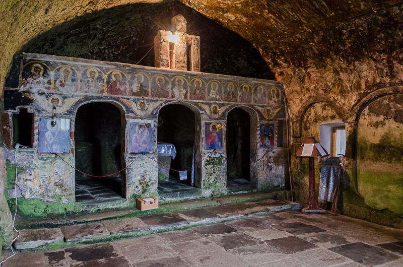 Manastirea Corbii de Piatra altar