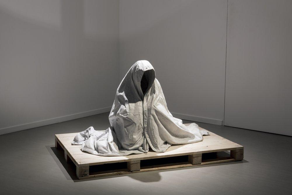 Refuge  2015, Bianca Carrara, eyelets, palette, 110 x 120 x 170 cm