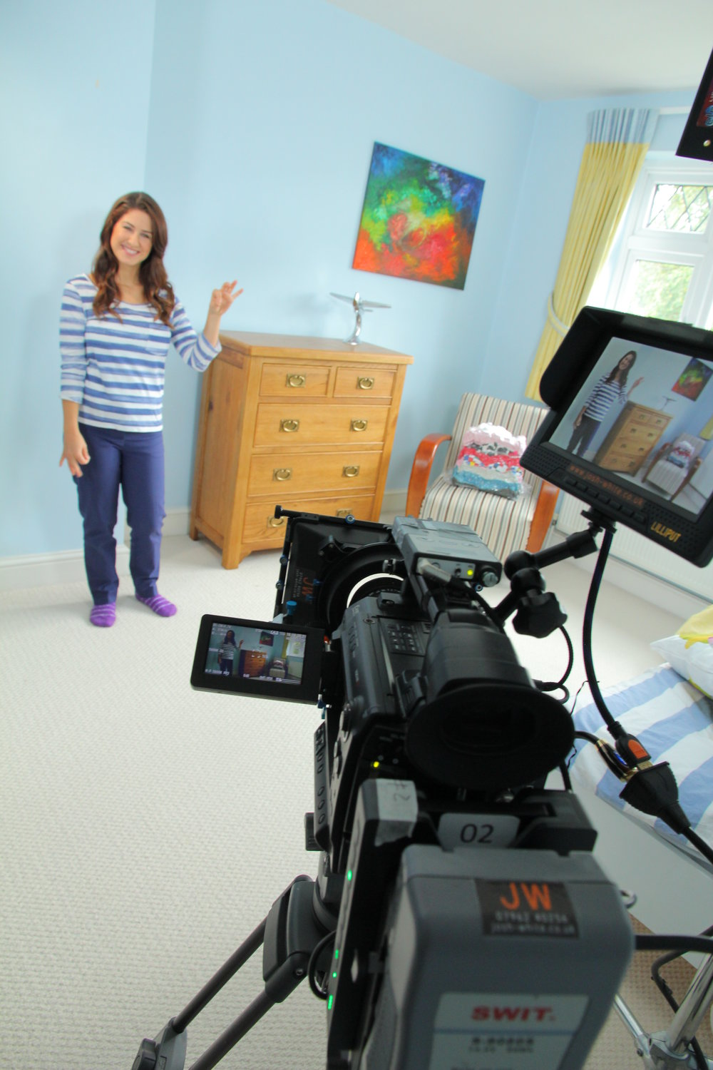 camera pointing at presenter in bedroom (2).jpg