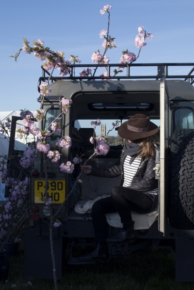 AESME blog | land rover and flowers.jpg