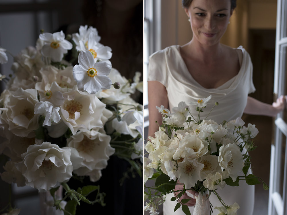 Small elegant bridal bouquet | Photo by Aesme Flowers