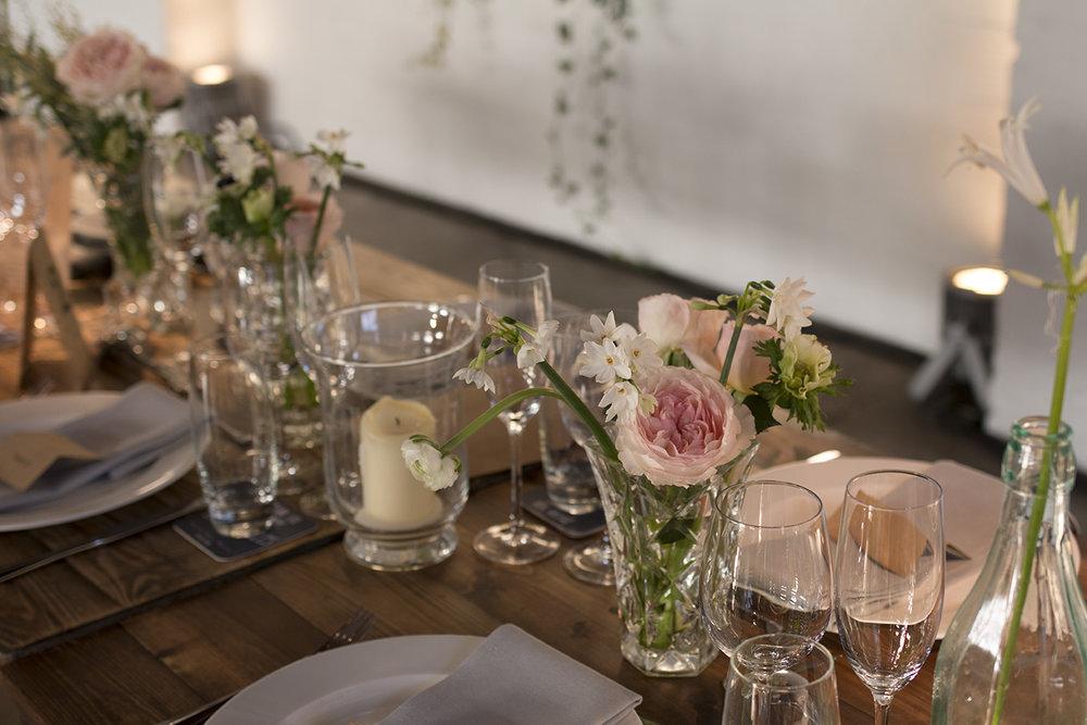 Trinity Buoy Wharf winter wedding | Photo Aesme Flowers