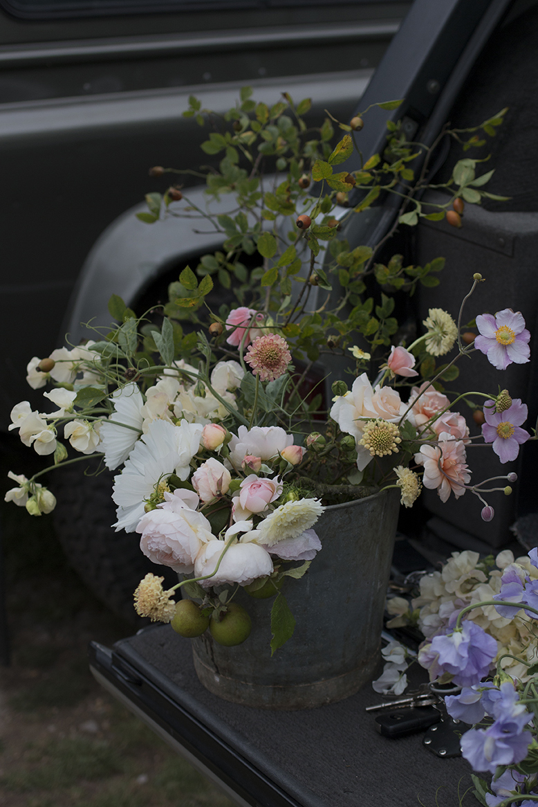 DIY Wedding Flower Buckets | Aesme Flowers London