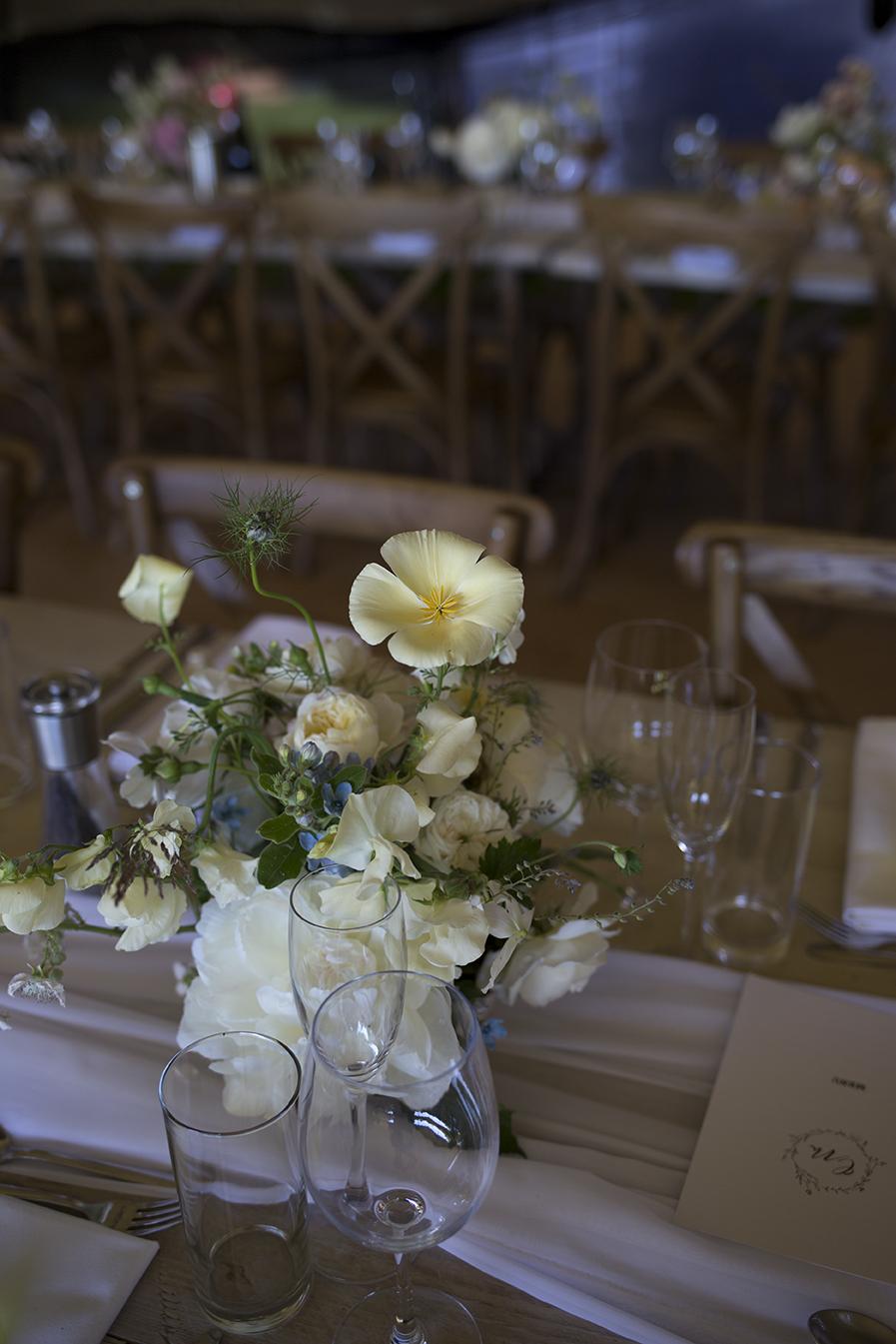 English Country Wedding Flowers | Aesme Flowers LondonEnglish Country Wedding Flowers | Aesme Flowers London