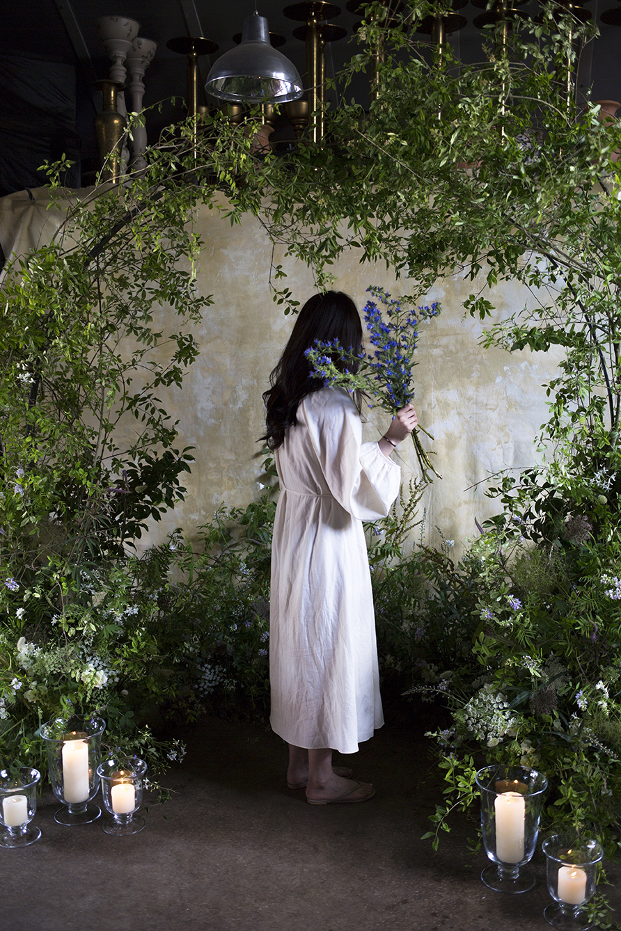 Students learn how to create large-scale flower foam free leafy ceremony installations at Aesme Flower Studio