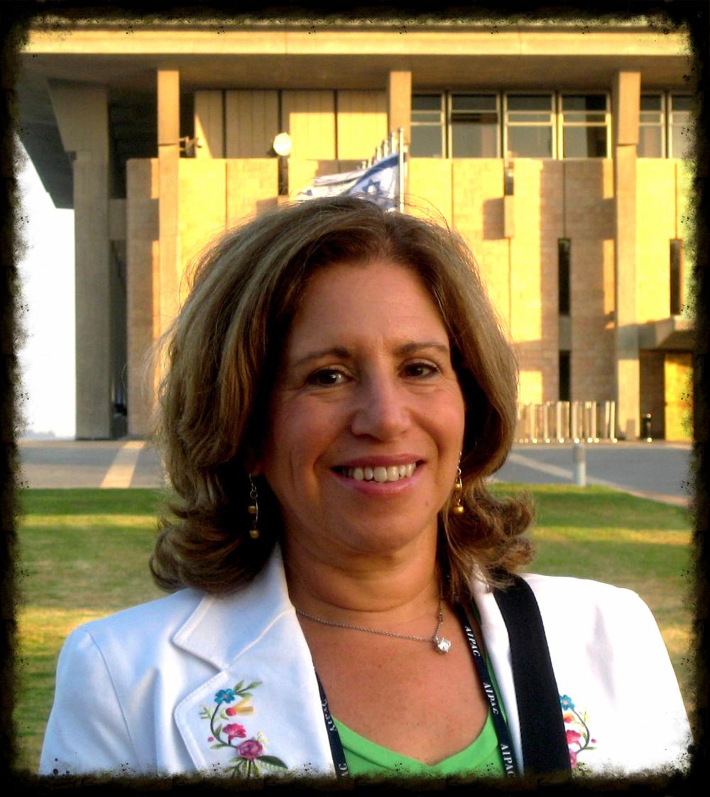 Dr. Naomi