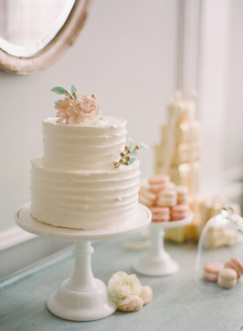 simple-cake-pretty-ruffles-soft-feminine