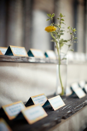 escort-card-wood-rustic-fabric-display
