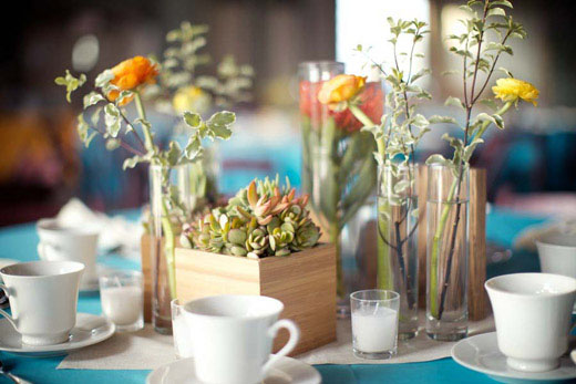 vintage-wood-succulent-ranunculus-wedding-centerpiece