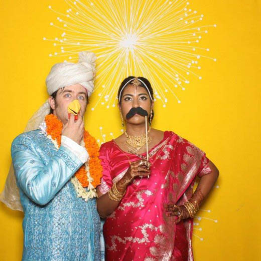 bengali-wedding-photo-booth-bride-groom