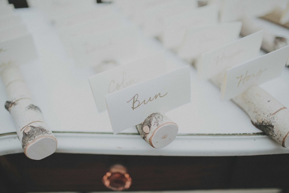 birch-escort-card-holder