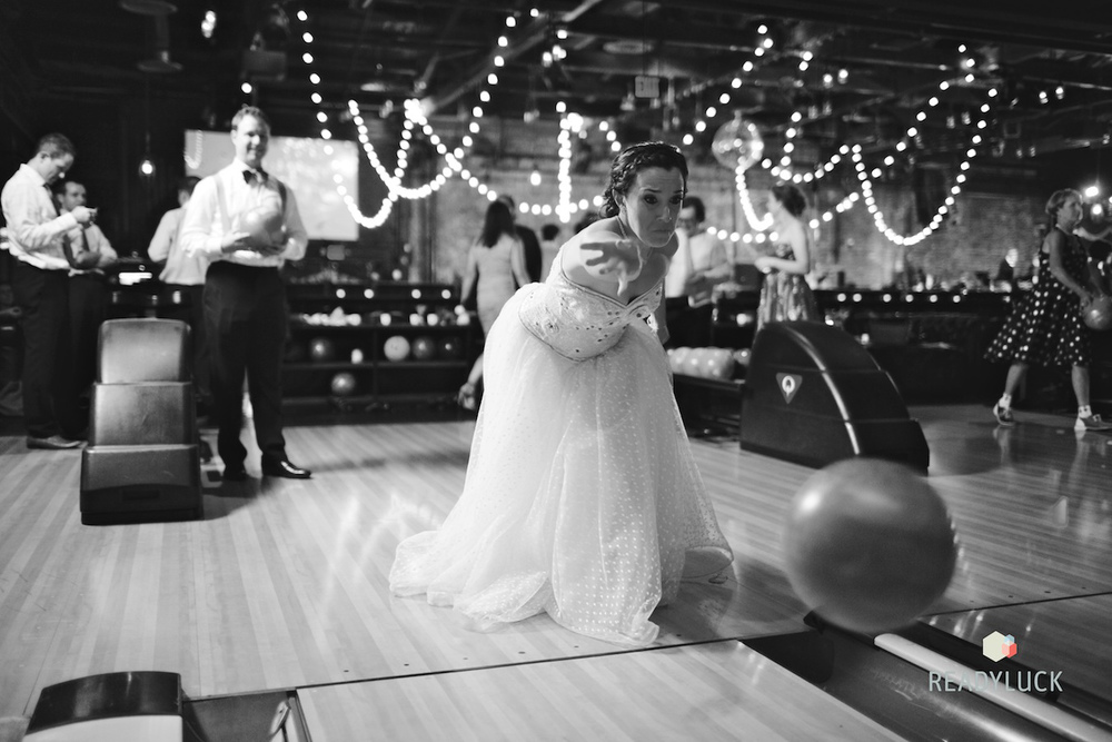 brooklyn-bowl-wedding-bride-bowling
