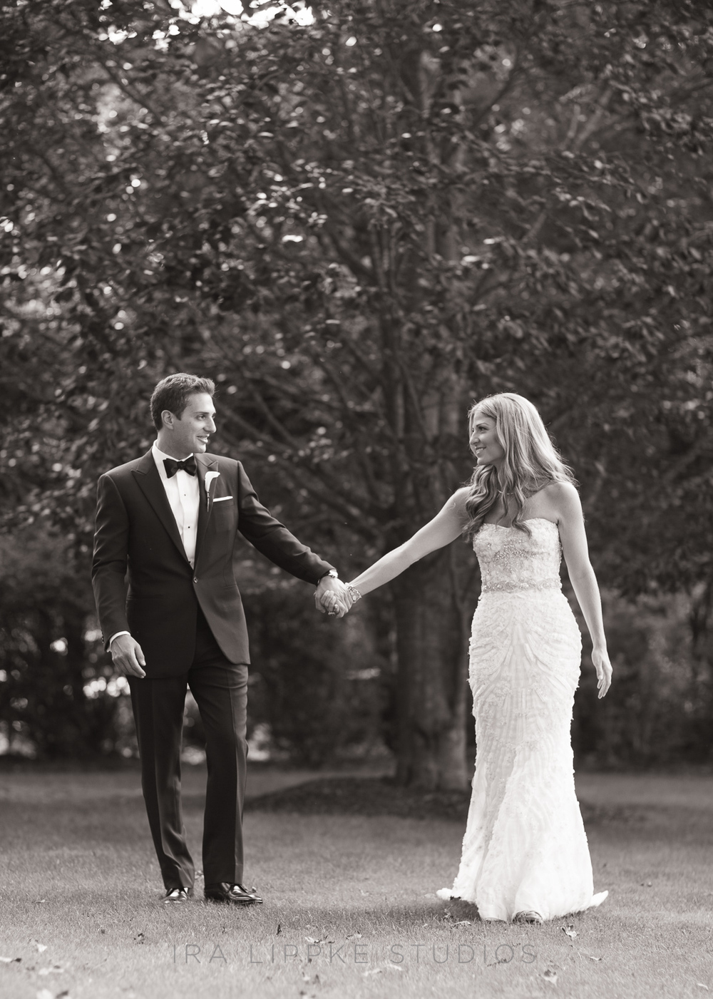bride-groom-hamptons-outdoor-wedding