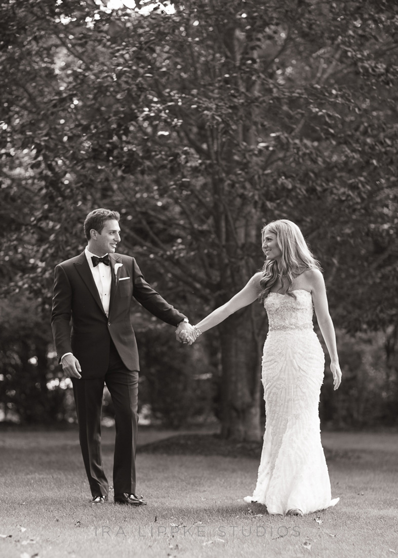 beautiful-bride-groom-photo-bw-outdoors-monique-lhuillier
