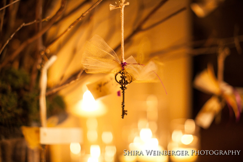 hanging-key-escort-card-branches