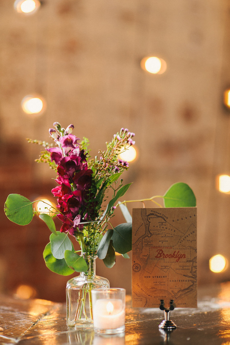 brooklyn-theme-wedding-inspiration-string-lights-rustic
